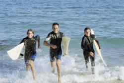 Combiner surf et sejour linguistique